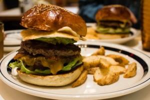 that-food-cray-tokyo-cray-the-great-burger-1