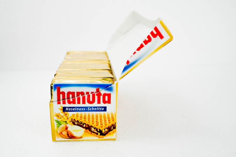 German Snack Cray !!! Hanuta !!! | That Food Cray !!!
