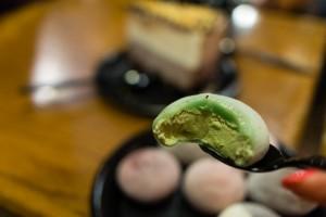 that-food-cray-honolulu-hawaii-bubbies-ice-cream-mochi-desserts-7