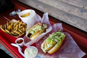 that-food-cray-honolulu-hawaii-hanks-haute-dogs-7