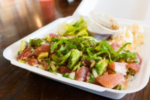 that-food-cray-honolulu-hawaii-pioneer-saloon-1