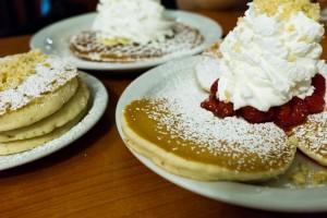 that-food-cray-honolulu-hawaii-breakfast-brunch-eggs-n-things-13