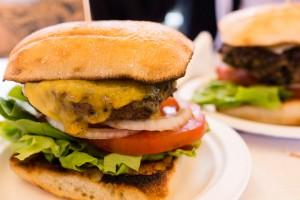 that-food-cray-hawaii-north-shore-oahu-food-truck-vjs-dogs-burgers-10