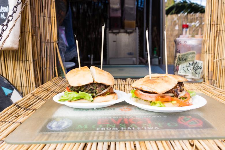 that-food-cray-hawaii-north-shore-oahu-food-truck-vjs-dogs-burgers-12