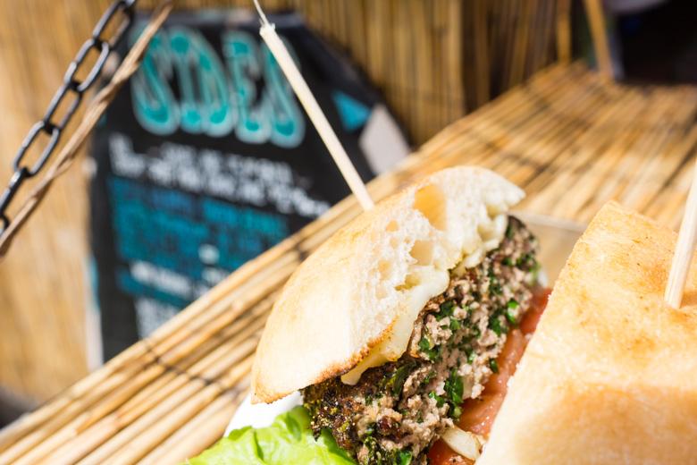 that-food-cray-hawaii-north-shore-oahu-food-truck-vjs-dogs-burgers-13