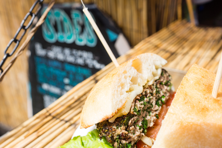 that-food-cray-hawaii-north-shore-oahu-food-truck-vjs-dogs-burgers-13