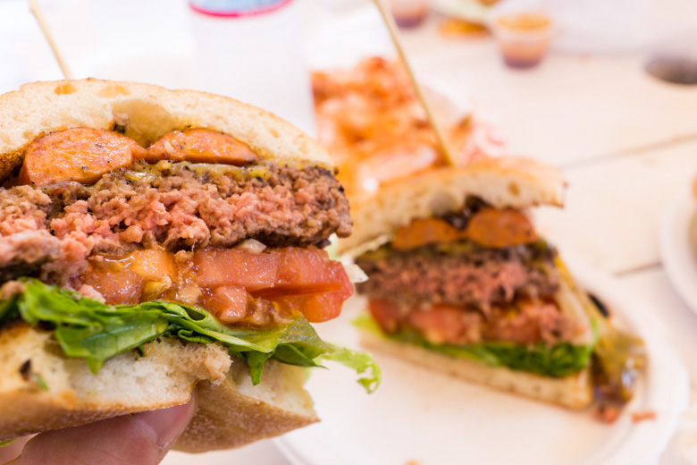 that-food-cray-hawaii-north-shore-oahu-food-truck-vjs-dogs-burgers-14