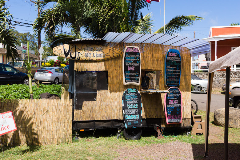 that-food-cray-hawaii-north-shore-oahu-food-truck-vjs-dogs-burgers-3