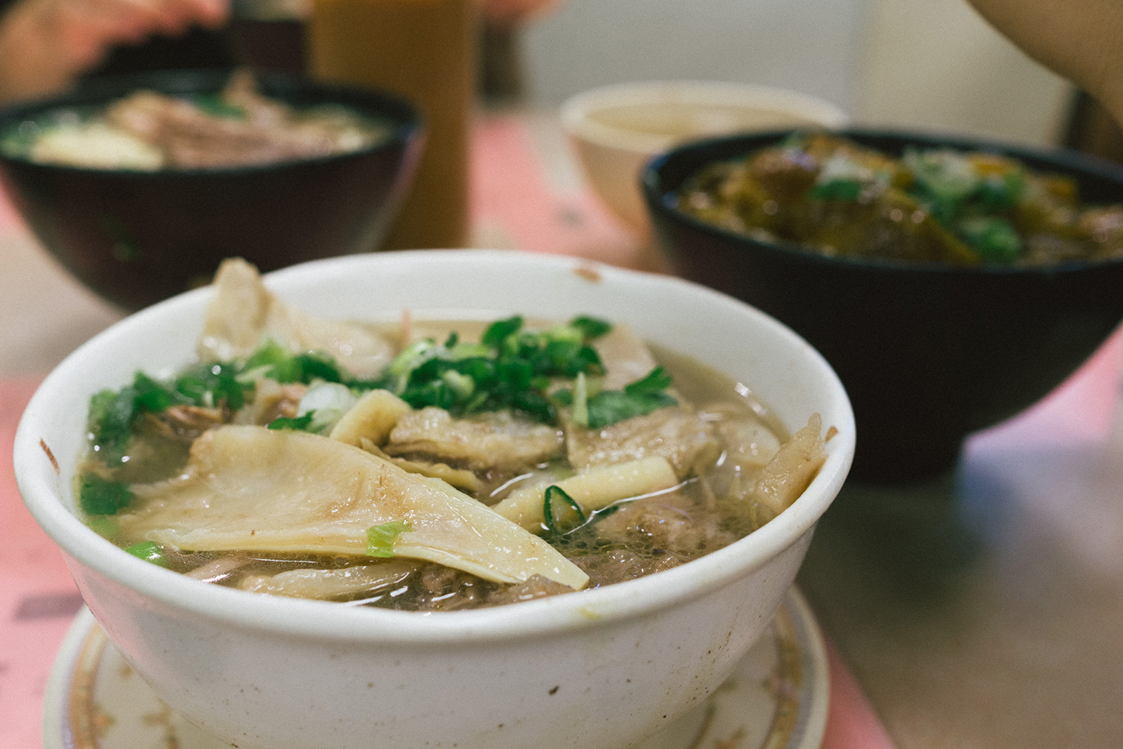 that-food-cray-hong-kong-best-beef-brisket-noodle-soup-kau-kee-3