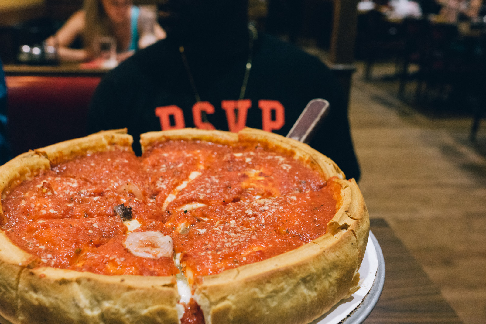 Giordano's Pizza Review: Chicago's Famous Deep Dish Pizza ...  Giordano's ...