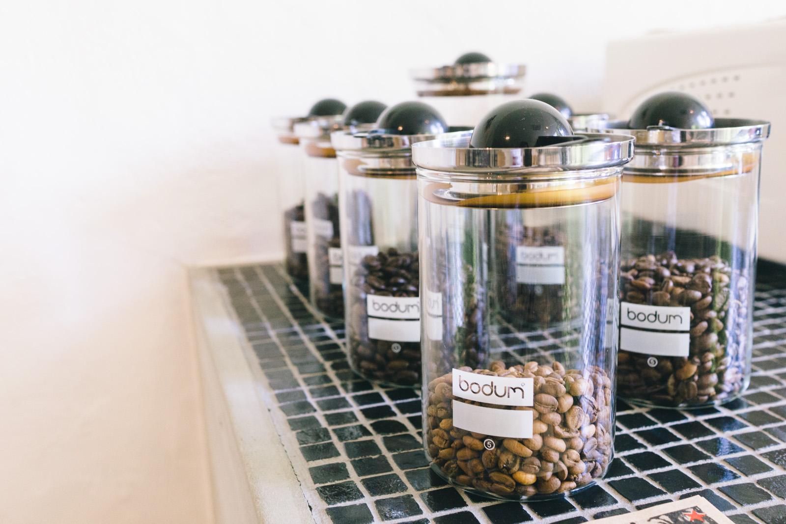 that-food-cray-osaka-japan-vade-vecvm-cafe-coffee-shop-2