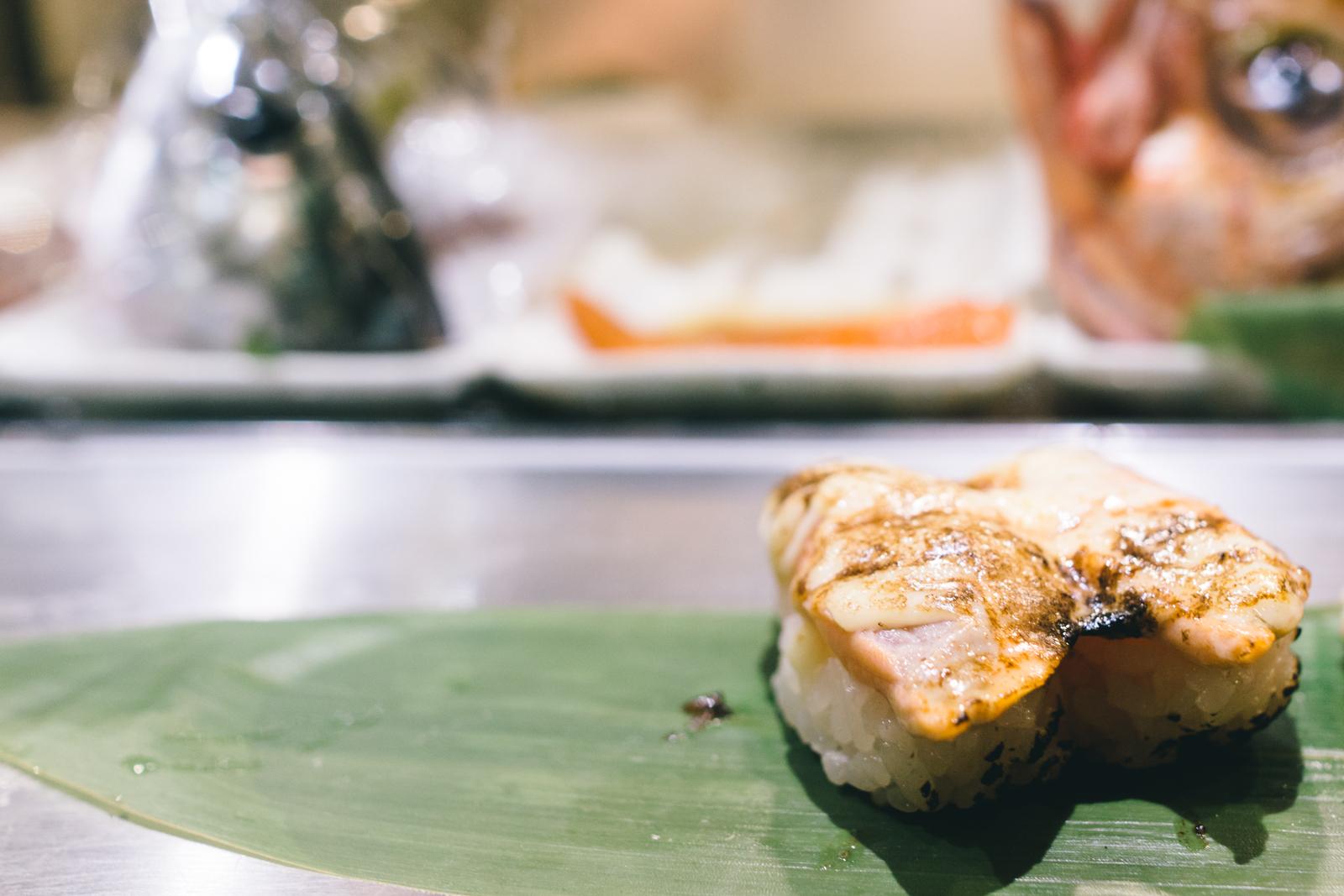 that-food-cray-tokyo-japan-standing-sushi-shibuya-restaurant-12