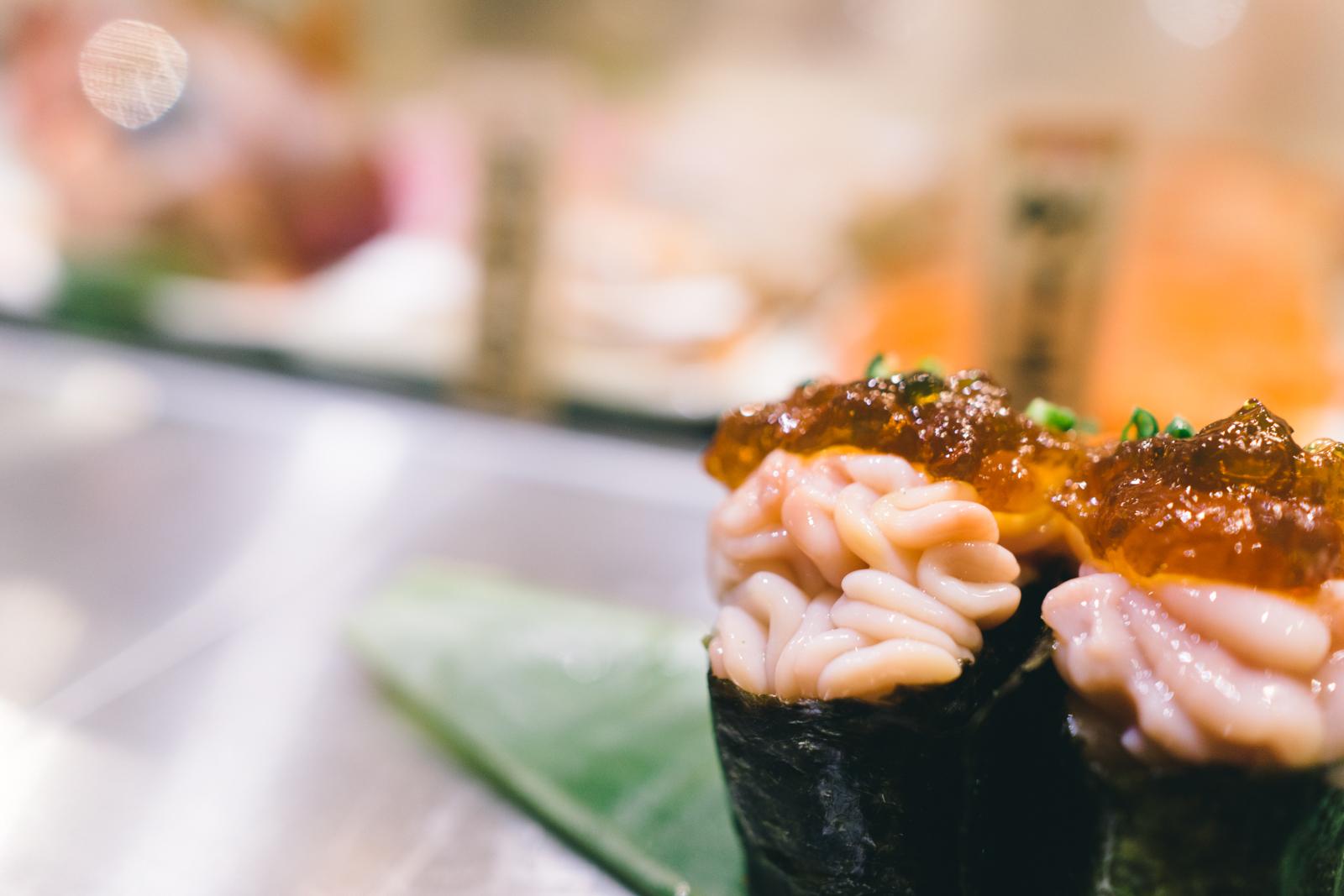that-food-cray-tokyo-japan-standing-sushi-shibuya-restaurant-15