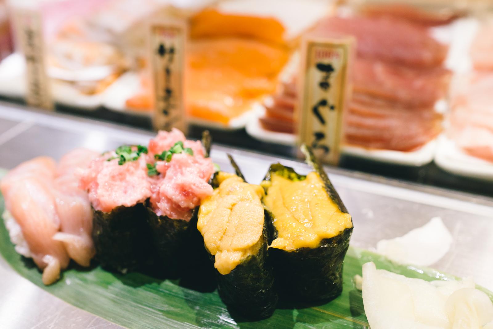 that-food-cray-tokyo-japan-standing-sushi-shibuya-restaurant-2