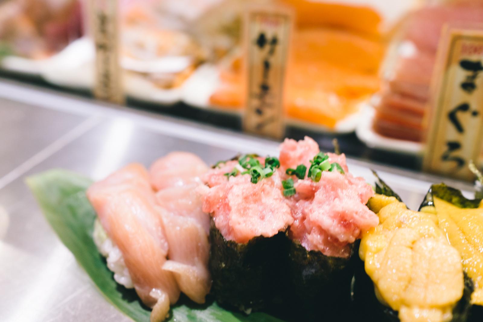 that-food-cray-tokyo-japan-standing-sushi-shibuya-restaurant-4