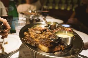 la-vache-hong-kong-steak-frites-fries-parisian-steakhouse-5