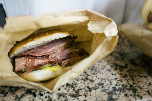 london-england-bricklane-britains-first-best-beigel-shop-salt-beef-beigel-7