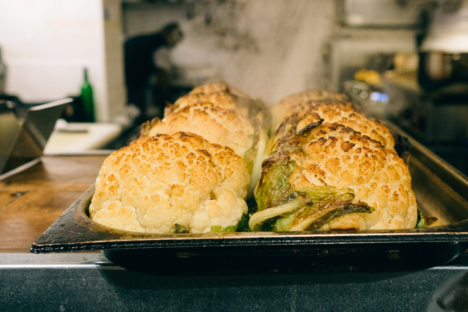 miznon-restaurant-jewish-israeli-parisian-pita-kebabs-paris-france-3