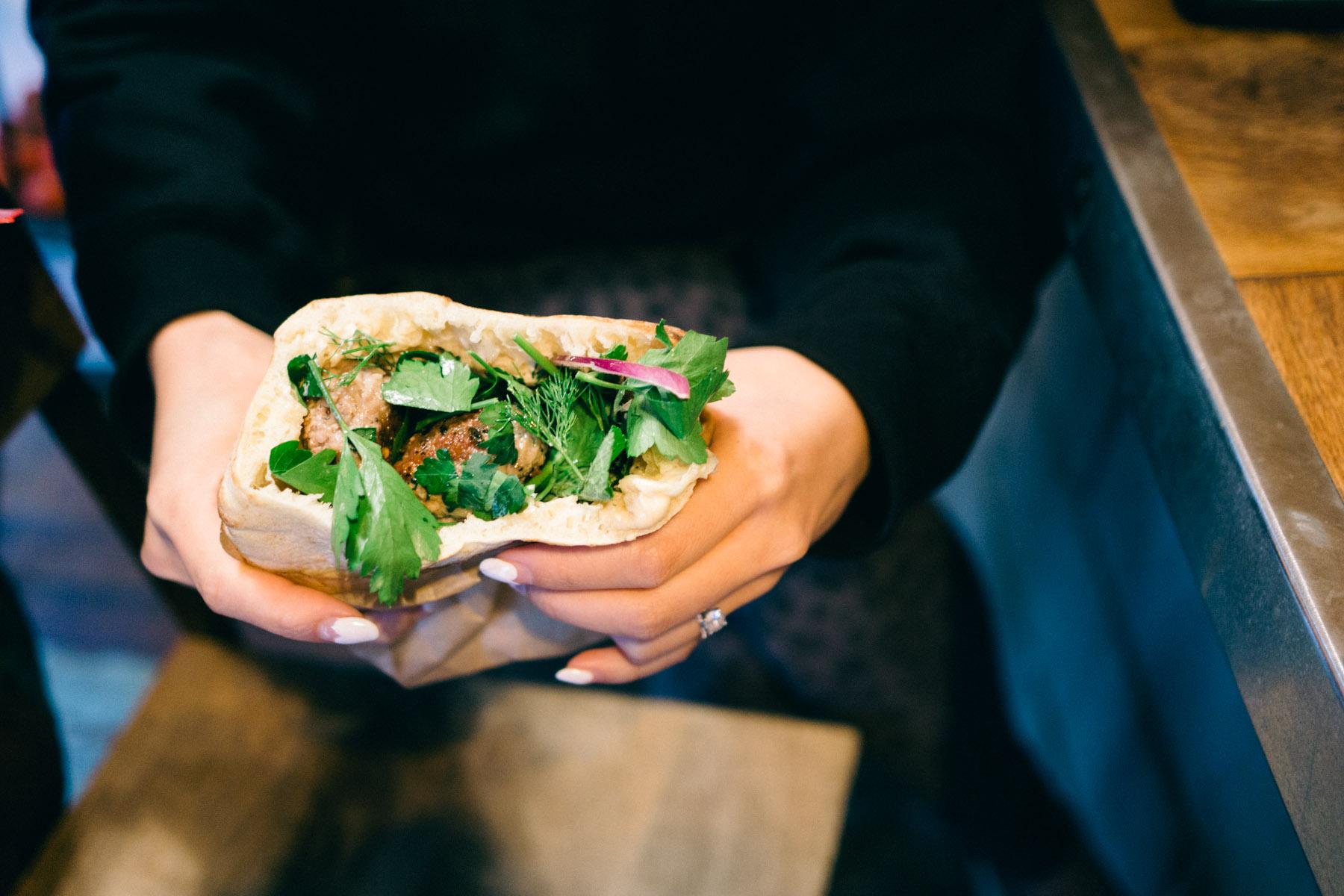 miznon-restaurant-jewish-israeli-parisian-pita-kebabs-paris-france-6