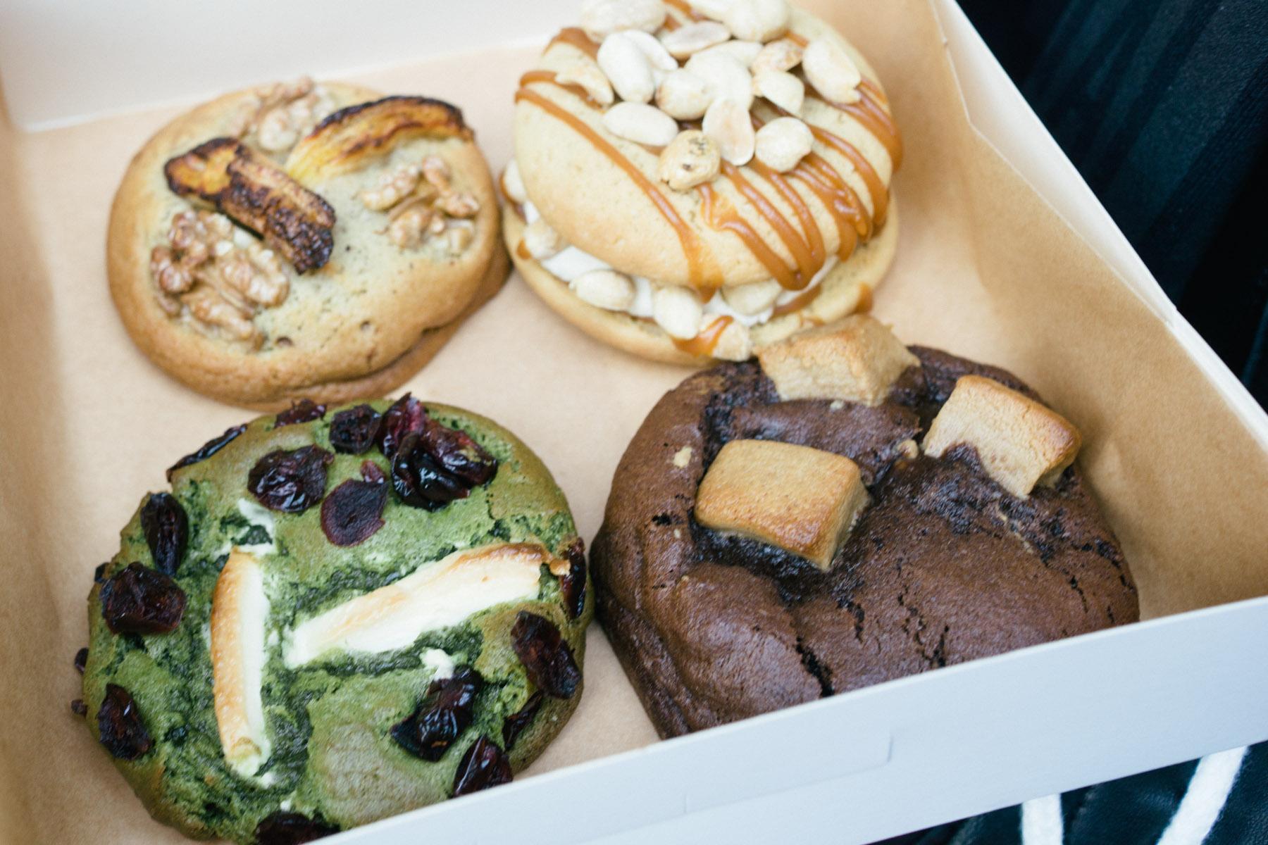 scoop me a cookie review cookies whoopie pie bakery in paris france that food cray. Black Bedroom Furniture Sets. Home Design Ideas