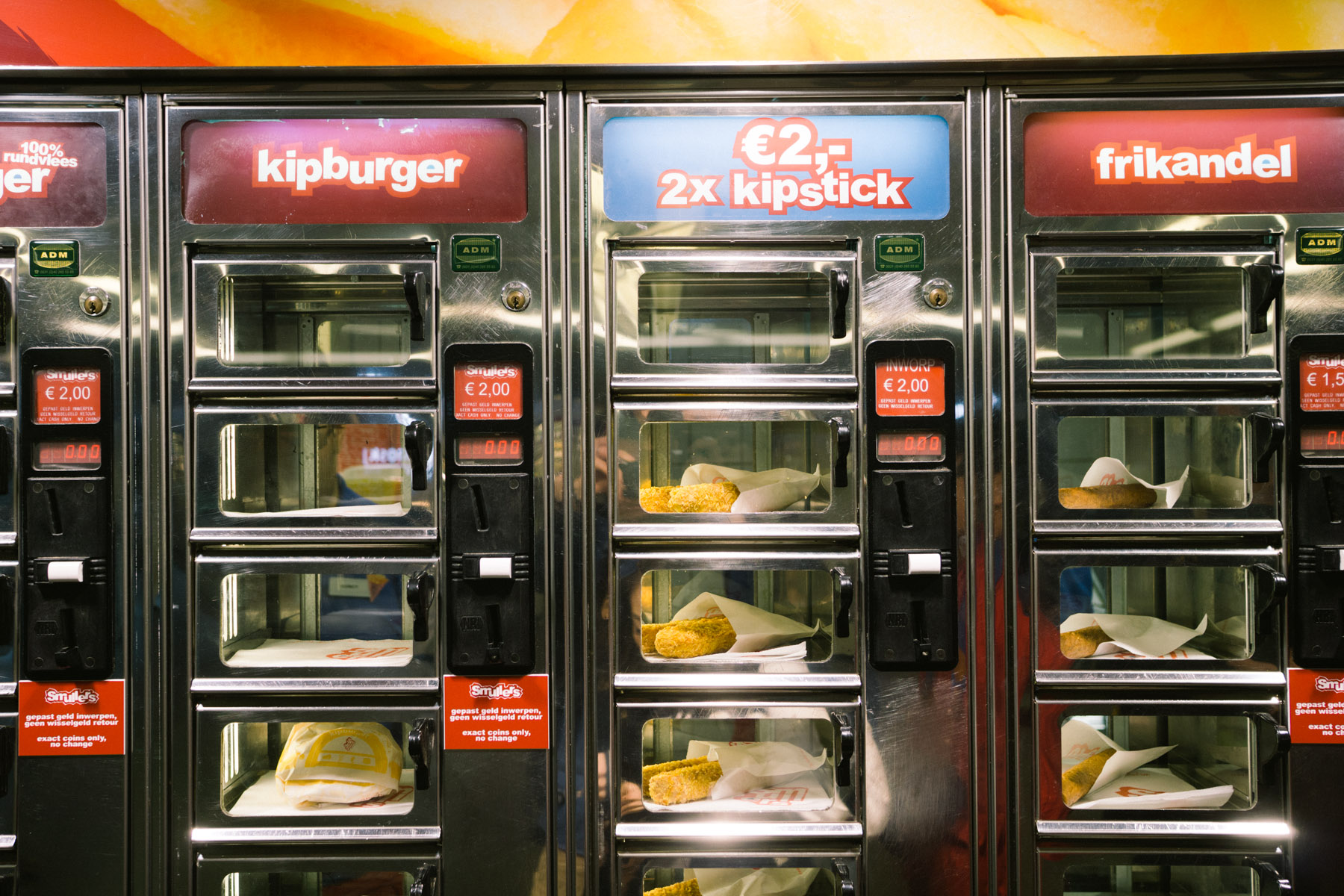 febo vs smullers fast food vending machines in amsterdam netherlands that food cray. Black Bedroom Furniture Sets. Home Design Ideas