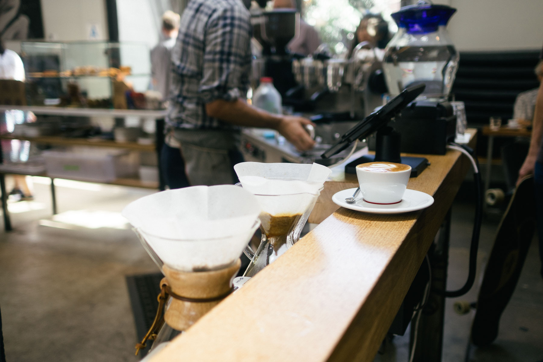 los-angeles-cray-coffee-spots-you-need-to-know-about-andante-line-cafe-deus-graffiti-sublime-intelligentsia-stumptown-7