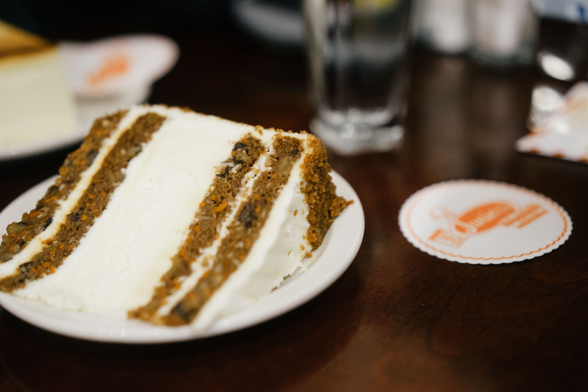 Best New York Cheesecake at Junior's | That Food Cray